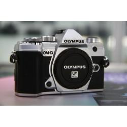 OLYMPUS E-M5 MARK III 987 CLICS